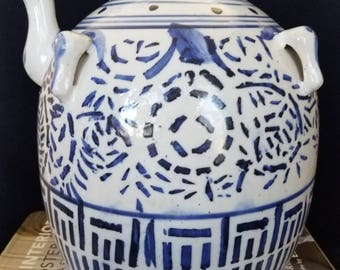 Blue and white ginger jar with spout // Chinoiserie // blue and white // ginger jar // posset pot // glazed ginger jar // wine jar // water