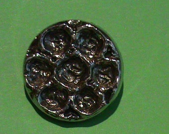 set of 6 fancy flower shape buttons