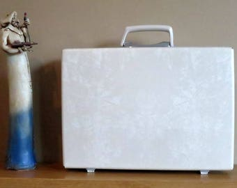 Vintage Samsonite White Hard Shell Briefcase Attache - Rare Retro