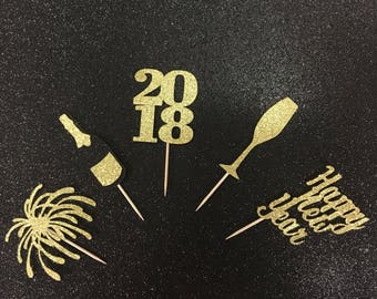 New Years cupcake toppers. New years eve party. 10 cupcake toppers. NYE decor. NYE decor. NYE wedding. New years eve decorations. 2018