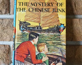 Vintage children book - The mystery of the Chinese junk - The Hardy boys - 1960