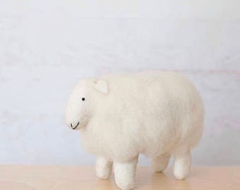 Sheep - Wooly sheep - Nursery decor - Wool - Lamb - Stuffed animal - Felt - Nursery art
