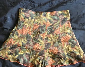 Awesome vintage brown jungle short shorts