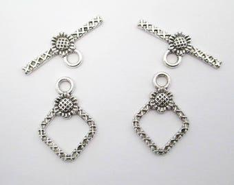 5 old diamond pattern Silver Flower toggle clasp set