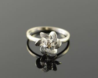 14k Genuine Diamond Flower Motif Ring Gold