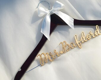 Unique bridal shower gift, Personalized Wedding hanger, Bridal Hanger, Gift for Bridal Party, Gift for Bride's Sister, Wedding gift vet0004