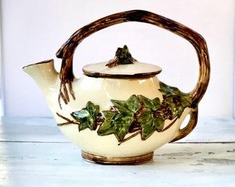 Vintage 1950's McCoy Tea Pot, Farmhouse Decor, Farmhouse Style, Farmhouse Kitchen, Pottery Tea Pot, Home Decor, Teapot for Display