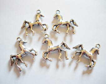 5 charms horse 3D 22 x 22 mm