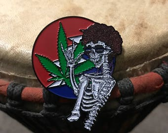 Smoke dem bones hat pin