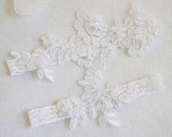 PURE WHITE wedding garter set, customizable, bridal garter, lace garter, keepsake and toss garter, wedding garter, flower garter, Monogram