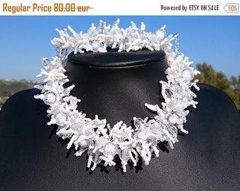 Necklace, bangle white coral