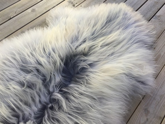 Decorative Sheepskin rug supersoft rugged throw from Norwegian norse breed long haired sheep skin white gray 18056