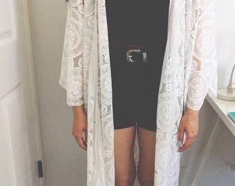 Scallop lace kimono