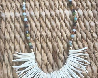 Collier bâton Pierre et noix de coco