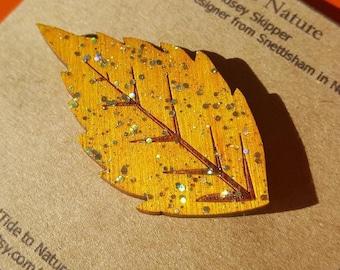 Wooden pin/badge