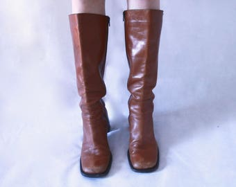 Vintage 1970s KNEE HIGH Leather Tan Boots (Italian)