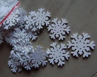 10 white snowflakes wooden 37 mm