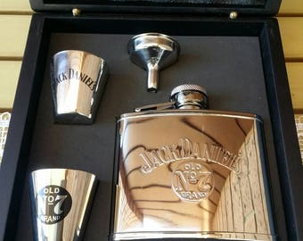 Jack Daniels Old No 7 Stainless Steel Whiskey Hip Flask Container Set