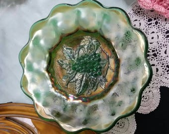 Vintage Carnival Glass/Grape Plate