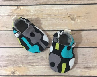 Groovy guitars tula shoes, baby moccs, toddler shoes, newborn shoes, baby booties, soft sole, stay on booties, baby gift, music, blue, green