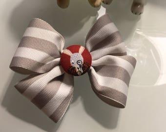 Sir White Rabbit, Alice In Wonderland barrette, White Rabbit Barrette, Bow, hair bow, Disney bow, Disney hair bow.
