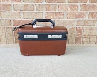 Chocolate brown and black Sentry Samsonite travel/train case make up storage