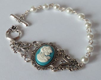 victorian blue cameo bracelet victorien camée bleu white pearls vintage retro