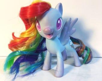 My Little Pony repaint- Rainbow Dash Gen 4.5