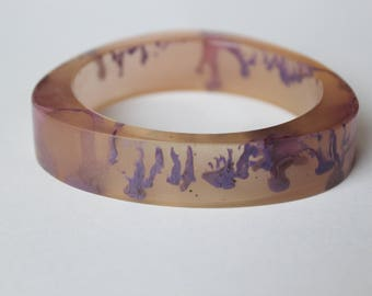 Lilac lucite clear swirl vintage bangle