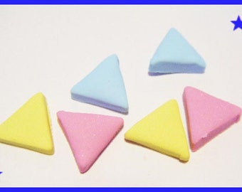 6 cabochons pastel triangle polymer clay