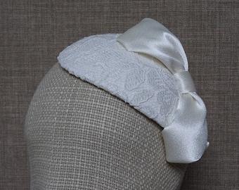 Ivory bridal hat, wedding fascinator, lace hatinator, bridal teardrop headpiece, ivory pillbox hat, 50's 60's vintage style headwear - WT41