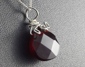 Sterling Silver pendant with Garnet / wire wrapped / with chain (15.74 inch)