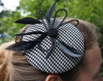 Fascinator black Crinolineloop, black and white Houndstooth and springs