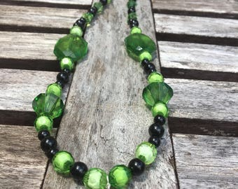 Jungle fever.... beaded necklace/black and green bead necklace