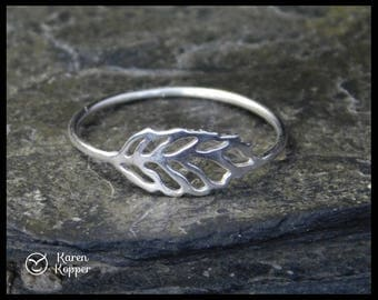 Waiting for spring - Leaf ring. Sterling silver 0,925. Skinny ring, stacking ring. Made to order at your size.
