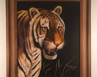 Gorgeous oil on canvas painting of a bengal tiger by wildlife painter Cutrona.