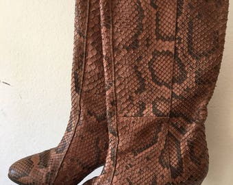 Snake print brown vintage woman boots shoes size 35 made in Italy .