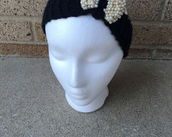 Black and pearls knit headband with bow