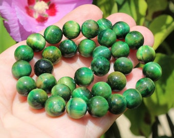 2 ŒIL TIGER MULTICOLOR GREEN 10 MM ROUND BEADS.