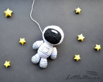 SALE!!! Astronaut. Astronaut Pattern. PDF file amigurumi crochet pattern. DIY handmade toy.