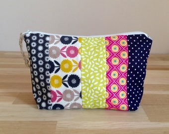Clutch / cosmetic case in fabric, Patchwork fabrics, Navy Blue, green anise, Luxe