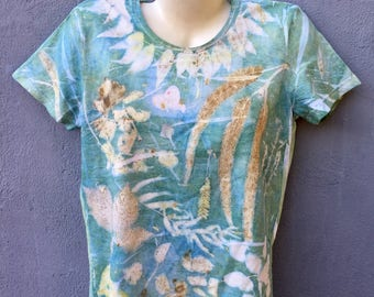Medium-printed, T-shirt from cotton - natural dyeing