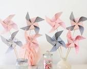 8 moulins à vent dans les tons gris et roses pour baptême, anniversaire, mariage...