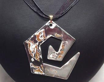 BLACK spiral pendant