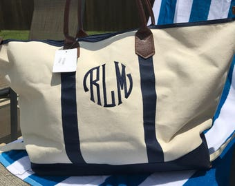 Monogrammed Weekender-Weekender Bag-Overnighter-Monogrammed Overnighter-Bridesmaid Gift-Gift for her-Gift for Mom