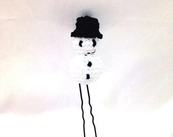 This hair stick / bun, snow man