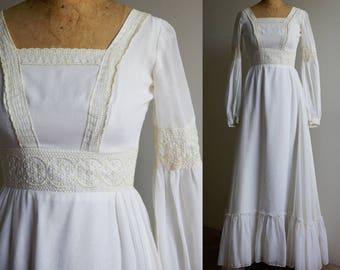 1970s White Gunne Sax Style Wedding Dress - Small