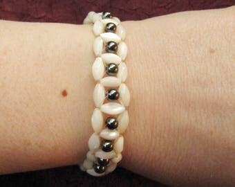 Semi-rigid bracelet black and white square mesh metallic - stones, gems