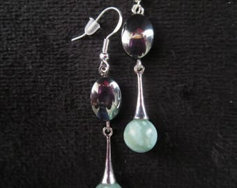 Earrings in mint agate and Hematite