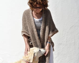 Brown Cape, boucle yarn with lurexfaden copper